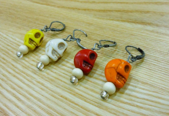 Removable crochet stitch markers -- skulls