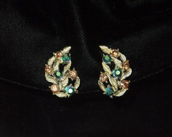Vintage Earrings Clip On Green and Amber Leaf Gold Tone Costume Jewelry