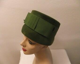 Vintage Hat Jane Morgan New York Green Velvet with Grosgrain Ribbon Bow Retro Accesories