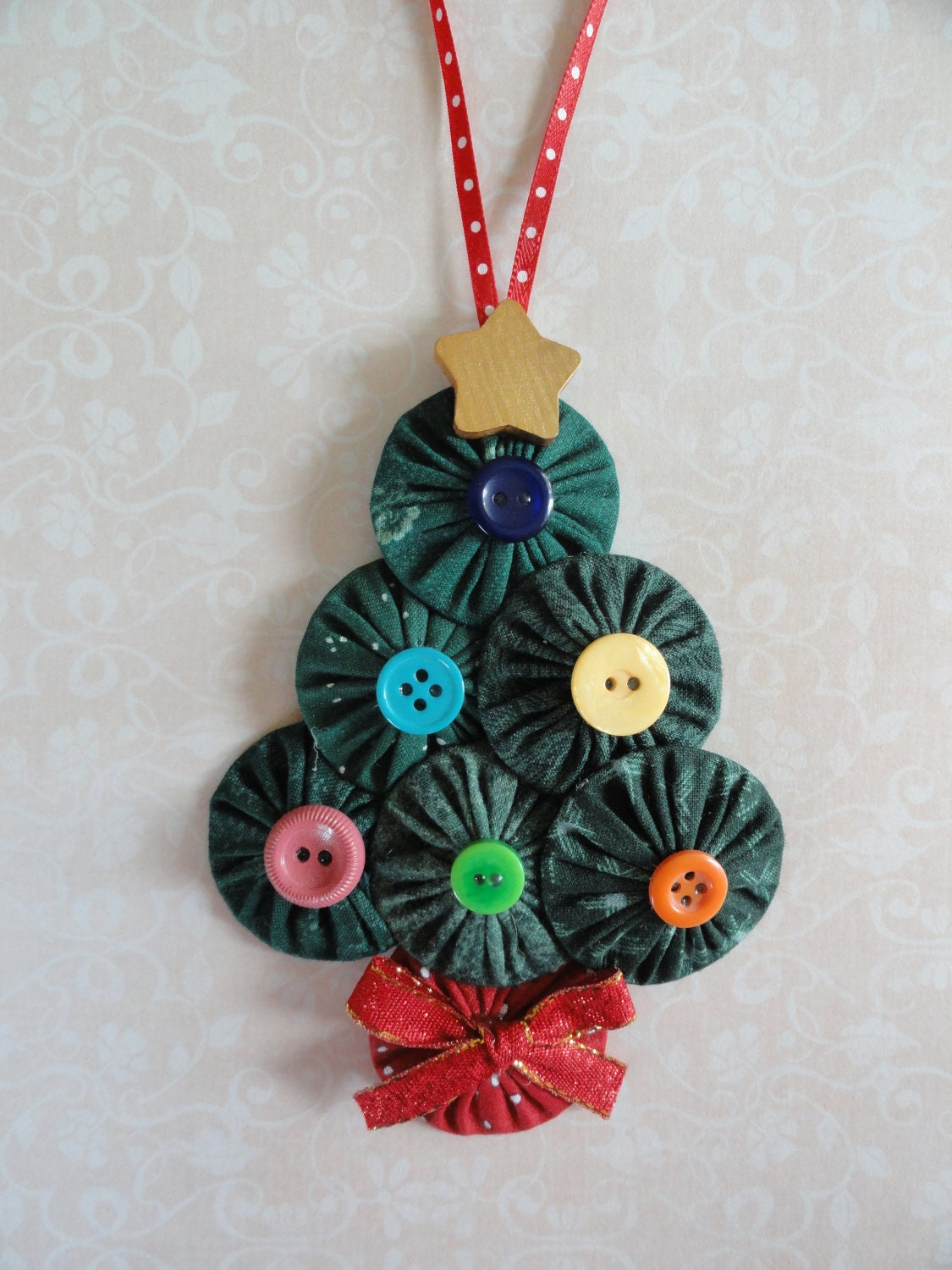 Yoyo Christmas Tree ornament buttons ribbon sewing