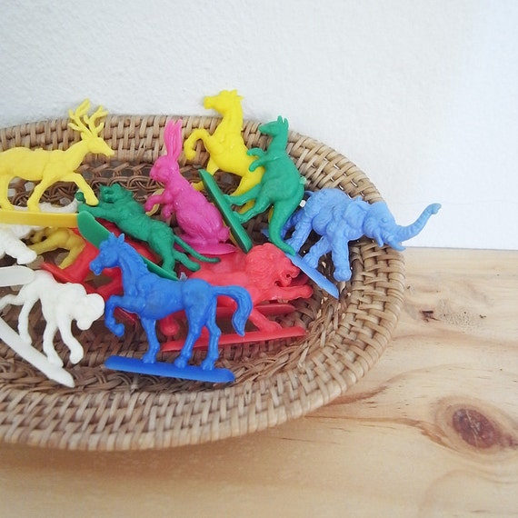 10 assorted colorful wild life plastic charm stand ups  lion reindeer rabbit bunny horse elephant bear deer / 001