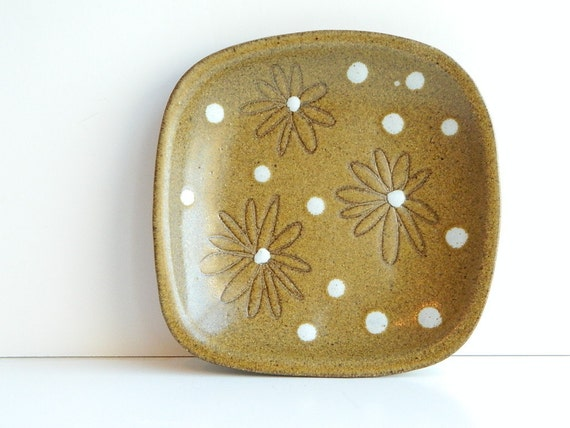 Mid Century Modern Martz Daisy ceramic dish