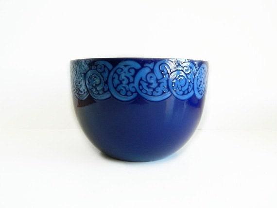 Arabia Enamel Bowl Blue Paisley Celtic Knot Design