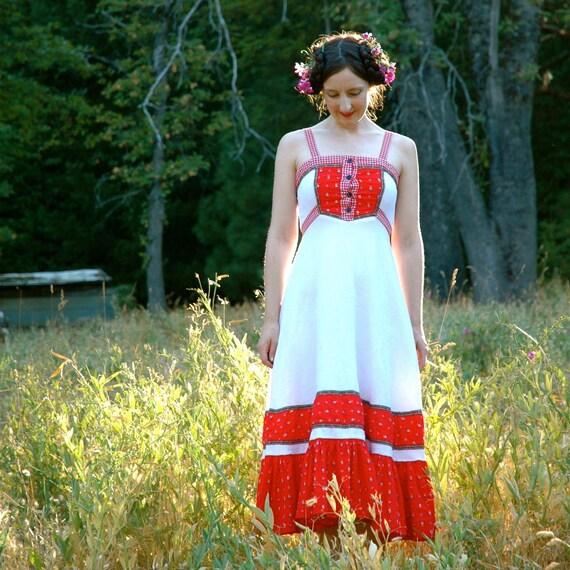 Gunne Sax Maxidress... Vintage 1970s Folk Dress... Red and White...  SNOW White ROSE RED (xs)