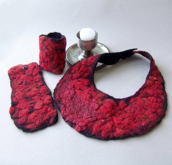 Felted  necklace cuffs set -  Black Red Gothic