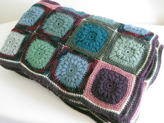 Crocheted Granny Squares Afghan Throw Bedspread