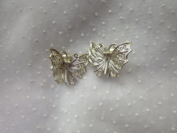 Vintage Lisner Butterfly Clip On Earrings Silver Colored Filigree Metal
