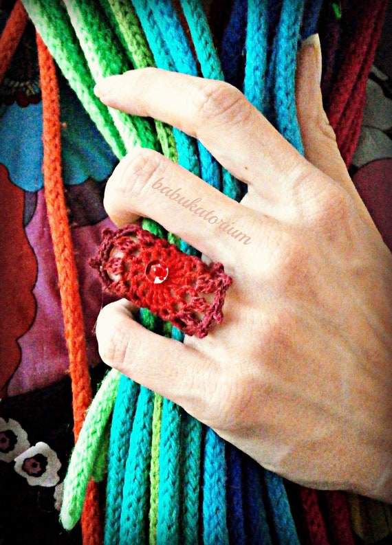 Red-Burgundy Ombre Crochet Mandala Ring With Red Sequin And Red Bead