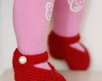 Baby Booties. Children Clothing. Crochet baby shoes 0-6 months red. Simple lovely Mary Janes. Baby shower gift. Photo Prop. Christmas