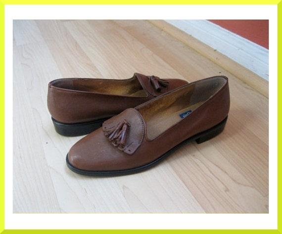 Vintage Brown Leather Fringe and Tassle Loafers Sz. 7.5 // 38