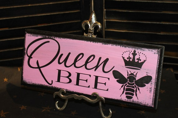 Queen Bee Sign/Pink/Great Mother's Day Sign/Royality Sign/Queen Sign/Ready to Ship