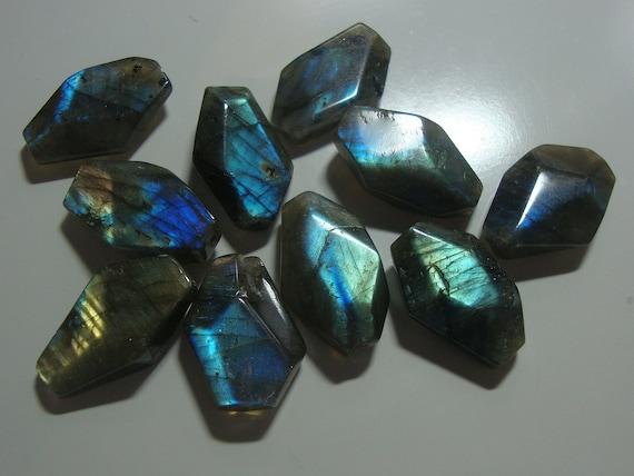 Firey Flashing Blue Green Gold Labradorite Faceted Nuggets beads, Irregular shape, 10 pcs, 16-18mm -  A2-1