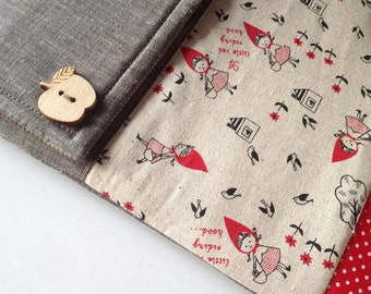 Little red riding hood - Padded iPad  Linen Pouch (Magnetic snap closure)