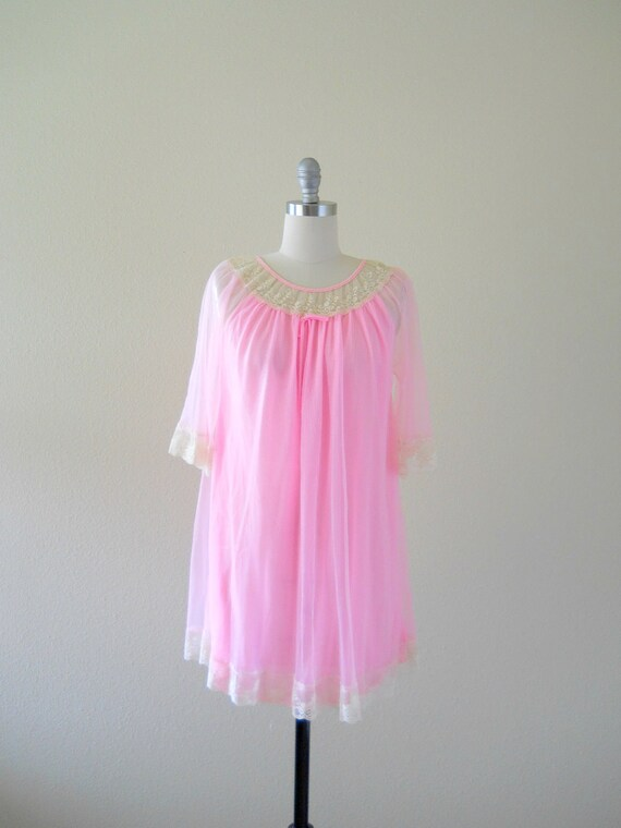 Vintage 1950s Nightgown -- Pink Nylon and Lace Nighty -- Spun Sugar