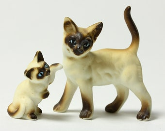 Ceramic Mother and Kitten Siamese Cats