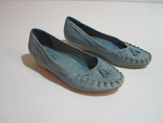 Vintage Blue Leather Moccasins. Woven Wedges Size 8.