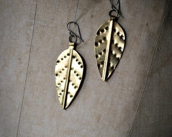 MOPANI : Gold Leaf Earring / Brass Leaf Earring Medium