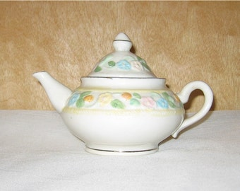 White Flowered  Teapot - 9123