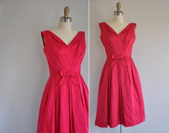 1950s satin cocktail dress / 50s bombshell dress / Cake Topper