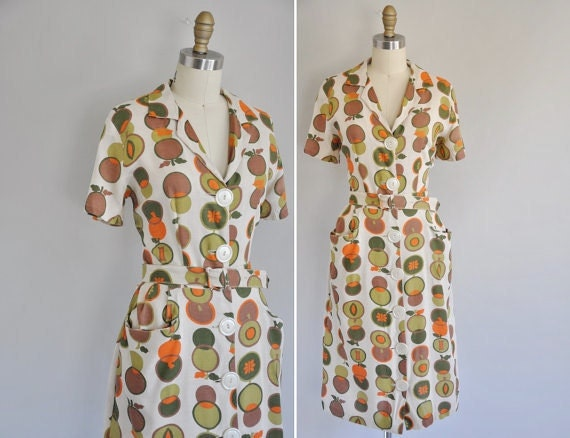 s a l e... vintage 1950s dress / 50s linen apple novelty print dress / Johnny Apple Seed