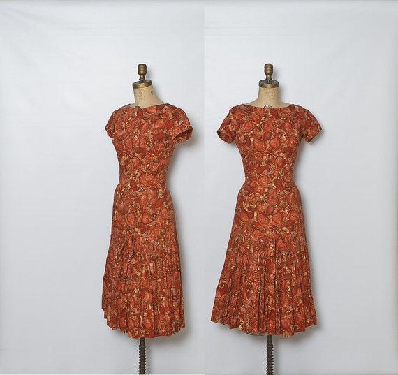 vintage 1950s dress / paisley / rust