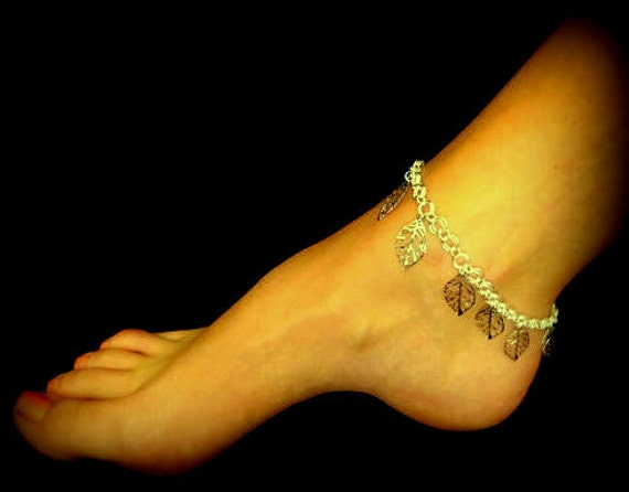 Sexy Summer Anklet - Dangling Silver Leaves