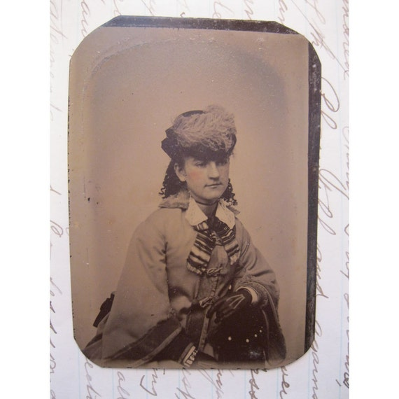 tintype photo - young WOMAN with plumed hat, STRIPED scarf and gloves  - ferrotype, late 1800s - TT42