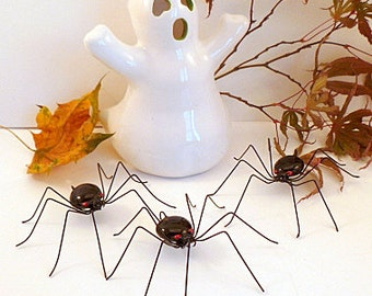 Three Black Spiders Wire Art Spiders Wire Bugs Cute Hanging Spiders Gift for Gardener Gift for Bug Lover Home Decor Window Art Wall Art