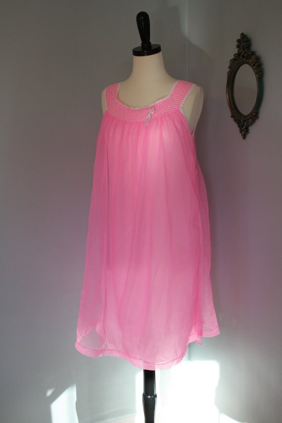 vintage 60s babydoll / chiffon nightgown lingerie / neon pink mad men pin up