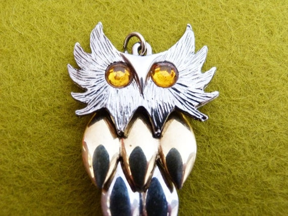 RESERVED for victoriabohland 1970s Articulated  silver & gold tone owl pendant
