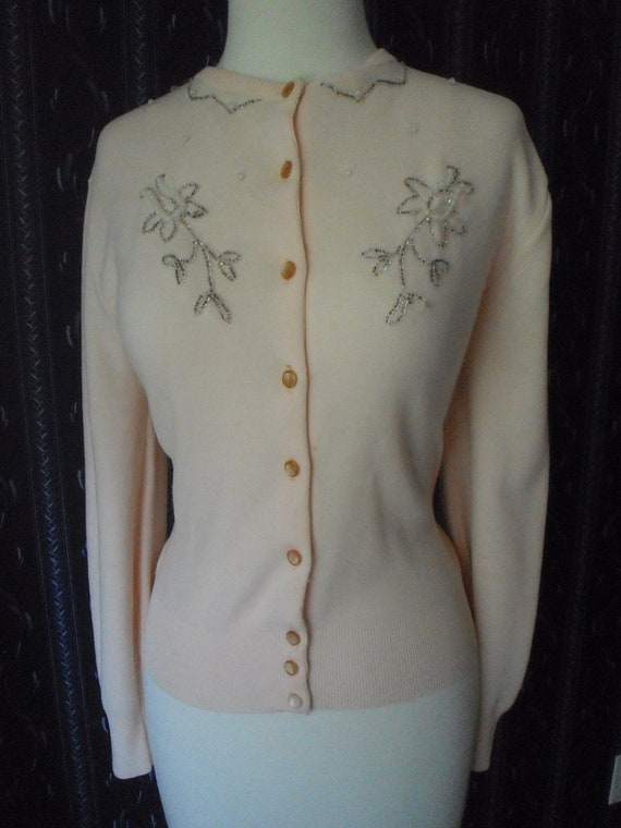 Vintage 50s Pink Cardigan Sweater With Beaded Embellishment  Bombshell Pin-Up Model Marilyn Monroe