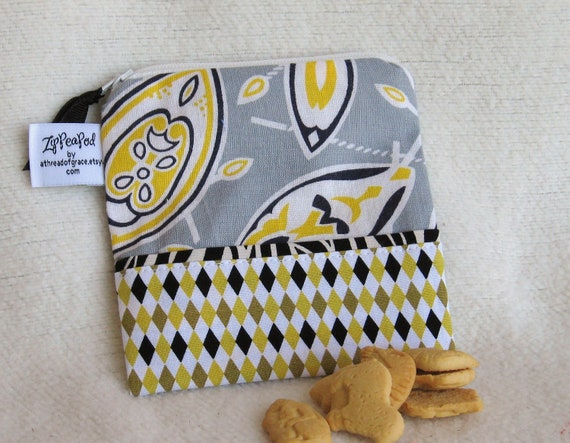 "African Sheilds & Spears Vintage Flour Sack Mini Snack Sack, Crayon Bag, Pacifier Pouch - 5"" x 5""- Zippered, Nylon lined, Reusable, Washable"