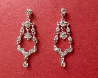 ON SALE -- Bridal Chandelier Earrings Clear Rhinestone (E2186)