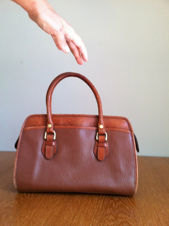 sale 1980's LEATHER DOCTOR's BAG. stylish purse