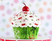 Cupcake Christmas Ornament - Mini Christmas Snowflake #CUP128