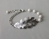 Oak Bracelet. oxidized silver oak leaf  with Swarovski crystal pearls, bridal jewelry, bridesmaid gift