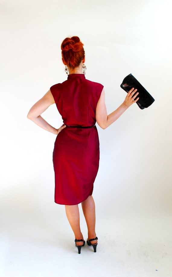 Vintage 1960s Burgundy Wiggle Party Dress. Mad Men Fashion. Weddings. Size Large