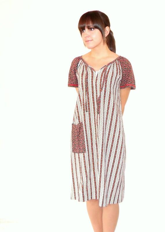 SALE Vintage 1970s Apple Delight Dress