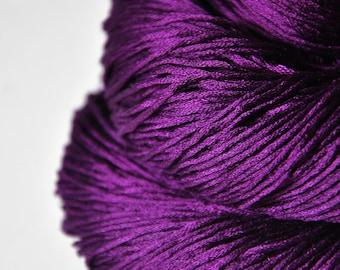 Poisoned by love - Silk Fingering Yarn - Knotty skein