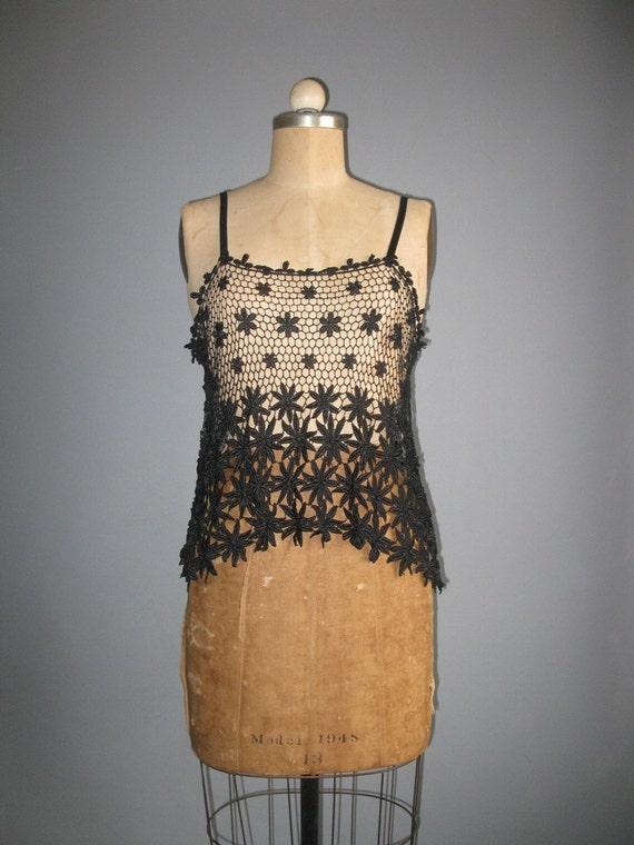 vintage black open crochet / flower power / tank / m