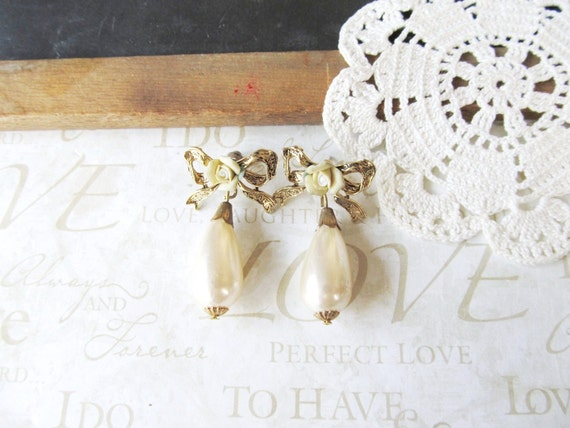 SCARLETT vintage filigree bow earrings with pearl tear drops and yellow roses (gold)