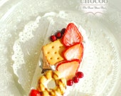 Chocoo Patisserie Series Whip strawberry  Biscuit Donut  iPhone case phone sweet Deco