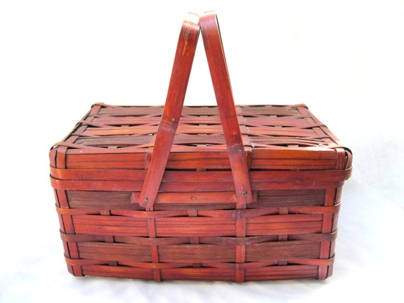 Vintage Split Bamboo Basket / Hinged Lid / Handles from Tessiemay