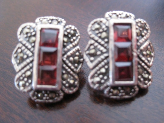 925 Silver Pierced earrings with Garnets and marcasite free shipping