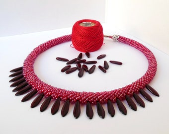 Collar Necklace Beaded  Crochet  knitted  GLASS PETALS ruby