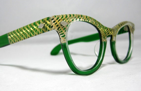 Fabulous Vintage CatEye Sunglass frames. Green and Gold