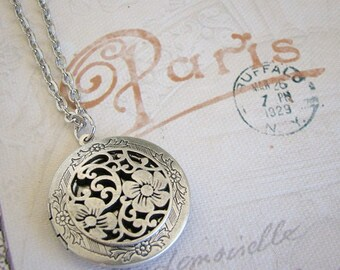 Locket Wife Silver Plated Necklace Sister Bride Bridesmaids Mother Birthday Gift Anniversary Daughter Round Medallion Photo Picture - Aliza