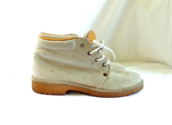 Lace Up Boots / vintage 80s Bisque KICKERS Leather Ankle Lace Up Granny Boots Shoes