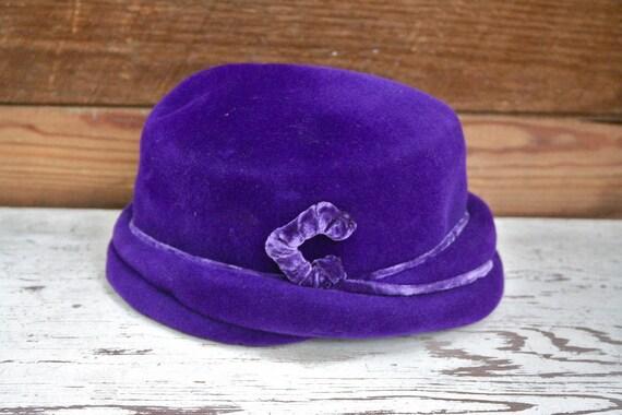 Early 1900's Gorgeous Antique Sheila Purple Velvet Hat
