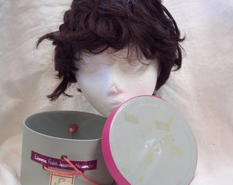 Jerome Alexander Lioness Wig Hairpiece Retro Wig Box with a Jerome Alexander Wig